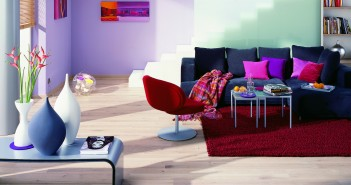 Rustikal und modern zugleich: weiße Holzdielen Bild: Terhürne