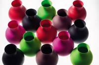 Es gibt die Gummivasen in fast allen Farben