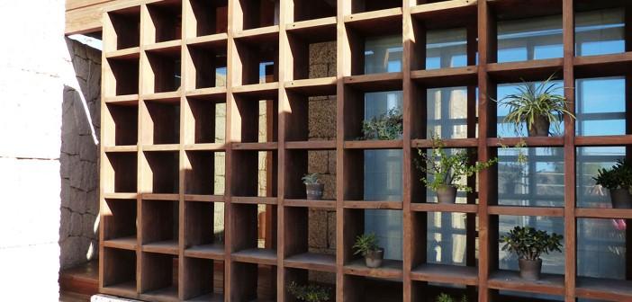 Holzregal für den Außenbereich