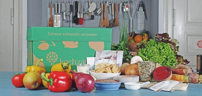 Kochbox mit Gemüse, Hülsenfrüchten und Nudeln © Kochzauber
