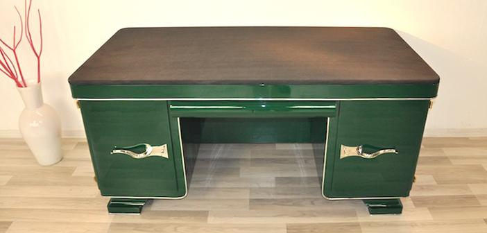 Antiker Schreibtisch in Flaschengrün ©OAM