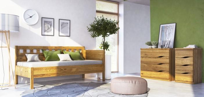 Eichenbank mit olivgrüner Wand